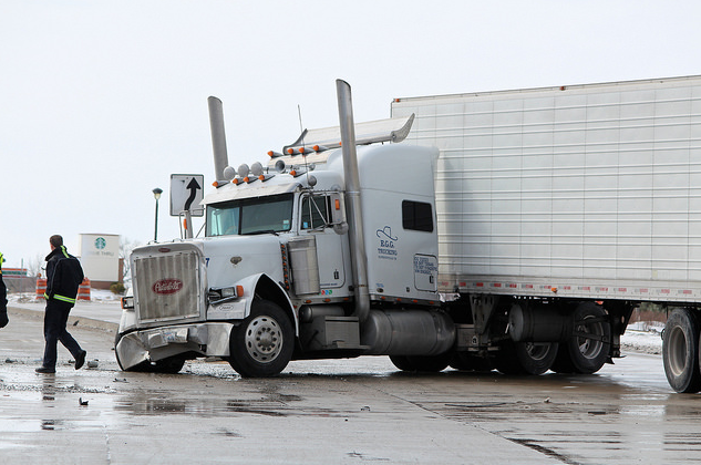 Minneapolis trucking accident, image by Knutson + Casey Minneapolis injury lawyers